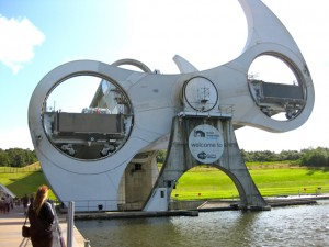 Falkirk Wheel rotating