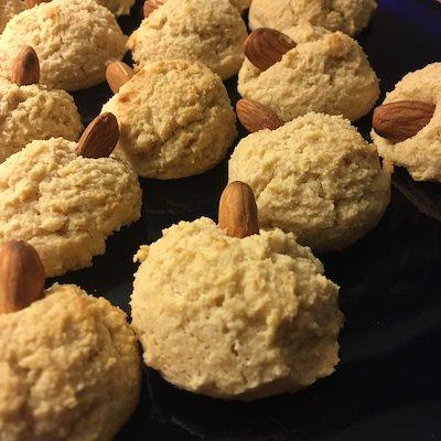 Maple-Almond cookies